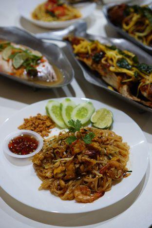 Foto 7 - Makanan(Pad Thai) di Aroi Phochana oleh Kevin Leonardi @makancengli