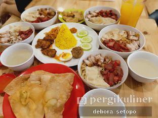 Foto 2 - Makanan di Bakmi Pangsit Palu oleh Debora Setopo