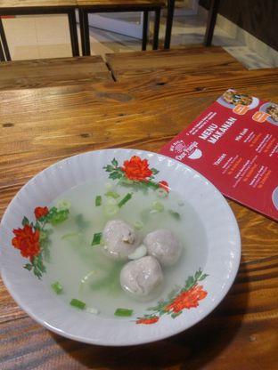 Foto 2 - Makanan(Toping Baso) di Mie Rica Owe Poenja oleh Fadhlur Rohman