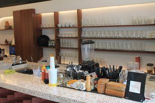 Foto 6 - Interior di Routine Coffee & Eatery oleh Prido ZH
