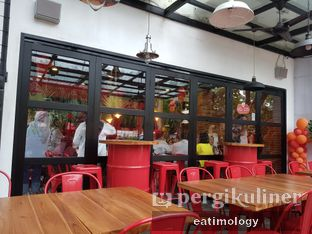 Foto 4 - Interior di COW - Cajun On Wheels oleh EATIMOLOGY Rafika & Alfin