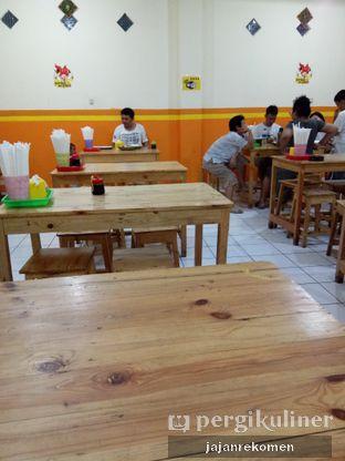 Foto 6 - Interior di Geprek Mr. Sadis oleh Jajan Rekomen