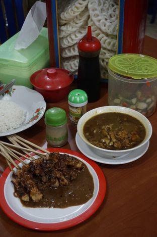 Foto 13 - Makanan di Warung Sate Tongseng Pak Naryo Solo oleh yudistira ishak abrar