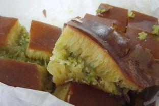 Foto - Makanan(Martabak Manis Keju + Green Tea KitKat) di Martabak Pecenongan 43 oleh Claudia @claudisfoodjournal