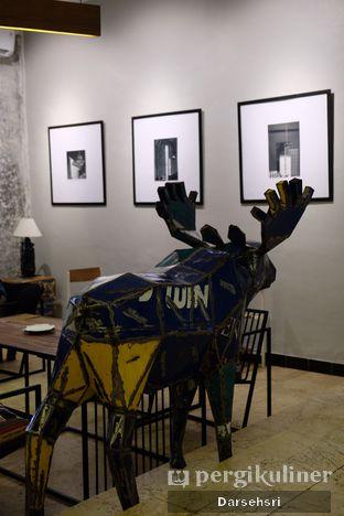 Foto 2 - Interior di Artivator Cafe oleh Darsehsri Handayani