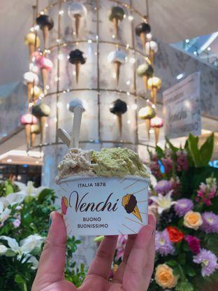 Foto 1 - Makanan(Large (95k)) di Venchi oleh Riris Hilda