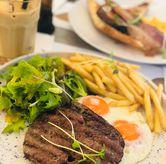 Foto Steak & Eggs di Common Grounds