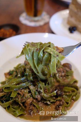 Foto 2 - Makanan di Benedict oleh Darsehsri Handayani