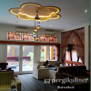 Foto 12 - Interior di Mid East Restaurant oleh Darsehsri Handayani