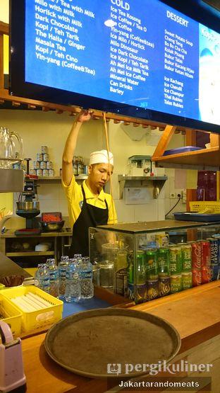 Foto 5 - Interior di Ah Mei Cafe oleh Jakartarandomeats