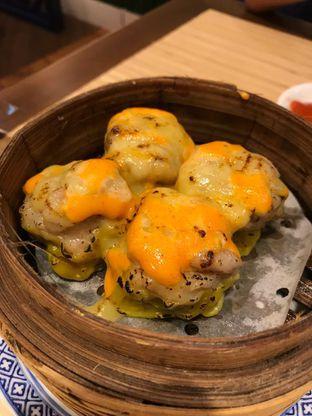 Foto 2 - Makanan(Spicy mozarella pork siewmai ) di Wan Treasures oleh Pengembara Rasa