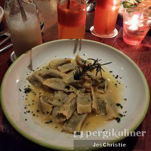 Foto 6 - Makanan(Beef Agnolotti w/ Butter Cheese Sauce) di AW Kitchen oleh JC Wen