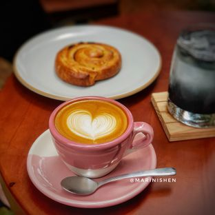 Foto review Emji Coffee Bar oleh Marini Shen 4