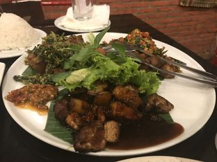 Foto 1 - Makanan(Iga Babi Tiga Rasa) di Pala Adas oleh Oswin Liandow