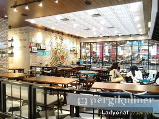 Foto 16 - Interior di The Kitchen by Pizza Hut oleh Ladyonaf @placetogoandeat