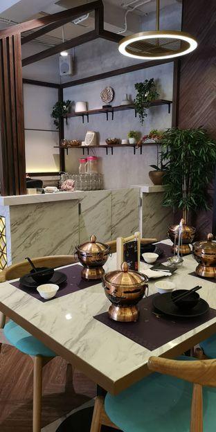 Foto 3 - Interior di The Royal Pot oleh om doyanjajan