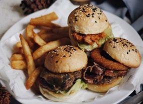 Cara Memanaskan Burger yang Bisa Kamu Coba
