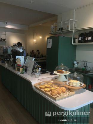 Foto 2 - Interior di Titik Koma Coffee oleh Monique @mooniquelie @foodinsnap