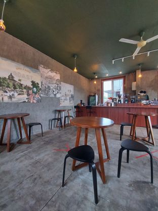 Foto 7 - Interior di Roast Coffee oleh Mouthgasm.jkt