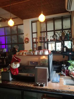 Foto 4 - Interior di But First Coffee oleh Lili Alexandra