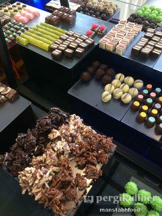 Foto Makanan di Dapur Cokelat