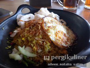 Foto 2 - Makanan(Nasi Goreng Ikan Asin) di Aromanis oleh @NonikJajan