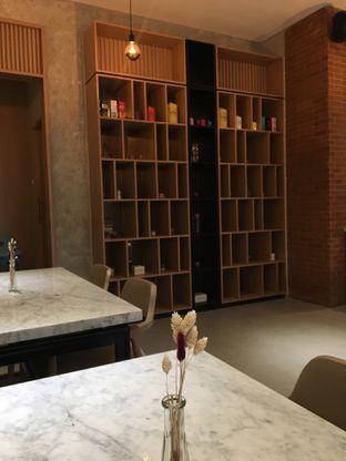 Foto 4 - Interior di Ergonomic Coffee & Lounge oleh Jeljel