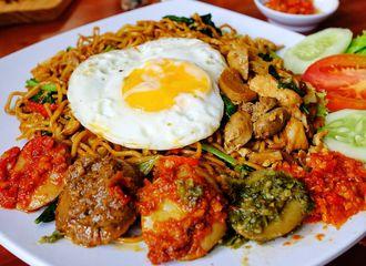 5 Wisata Kuliner Jakarta Timur yang Fenomenal
