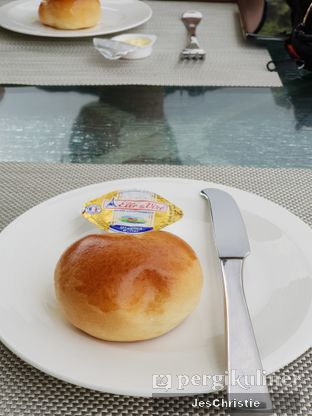 Foto review The Restaurant - Hotel Padma oleh JC Wen 4