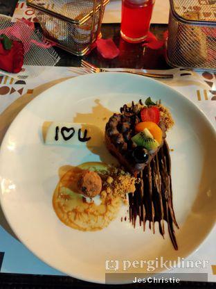 Foto 1 - Makanan(Chocolate Symphony) di Relish Bistro oleh JC Wen