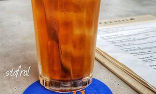 Foto 2 - Makanan(Iced Tea) di Egg Hotel oleh Stanzazone