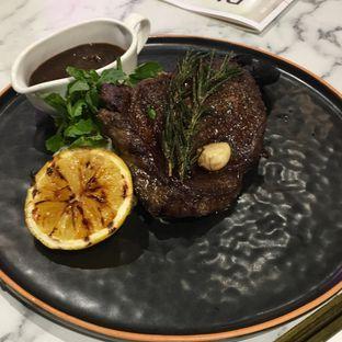 Foto 6 - Makanan(The heavyweight) di Pish & Posh Cafe oleh Jeljel