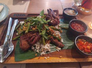 Foto 1 - Makanan(crispy duck nasi kecombrang) di Gioi Asian Bistro & Lounge oleh Rika