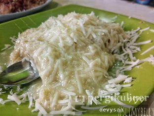 Foto 4 - Makanan di Kue Pancong Mang Kumis Dan Mang Dadang oleh Slimybelly