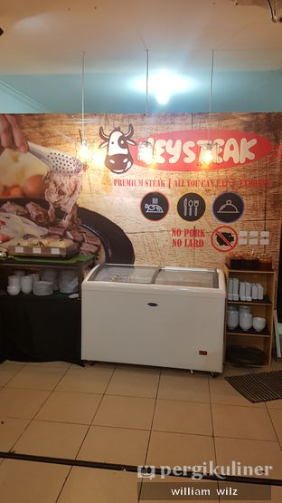 Foto 8 - Interior di HEYSTEAK oleh William Wilz