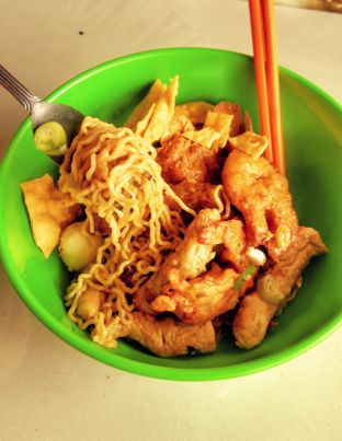 Foto 2 - Makanan(Yam Bakmi Seafood (IDR 28k)) di Nasi Gurih Aceng oleh Renodaneswara @caesarinodswr