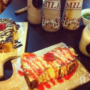 Foto 3 - Makanan di Momo Milk Barn oleh RI 347 | Rihana & Ismail
