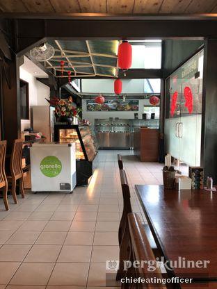 Foto 7 - Interior di Restoran Beautika Manado oleh Cubi