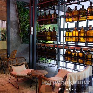 Foto 8 - Interior di Crematology Coffee Roasters oleh Darsehsri Handayani