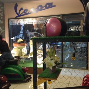 Foto 4 - Interior di Scooter Cafe oleh Almira  Fatimah
