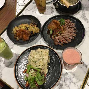 Foto 8 - Makanan di Pish & Posh Cafe oleh Jeljel