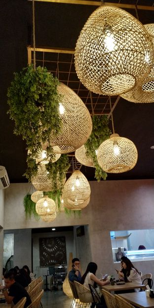Foto 3 - Interior(Lighting) di Japonika Sushi & Gozen oleh Sandra Licia