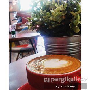 Foto 1 - Makanan(Hot cappuccino) di Neighborhood Coffee oleh ky_ riadiany