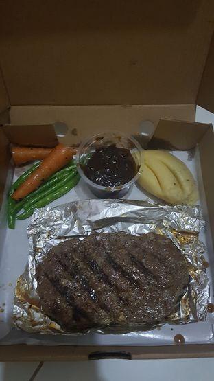 Foto 2 - Makanan(sanitize(image.caption)) di Urban Wagyu oleh youinframe