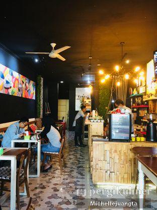 Foto 8 - Interior di Titik Kumpul Coffee & Eatery oleh Michelle Juangta