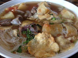 Foto 3 - Makanan(Soto Betawi Daging Sapi) di Soto Betawi Nyonya Afung oleh awakmutukangmakan
