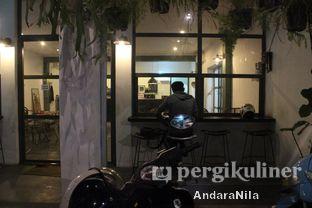 Foto 9 - Interior di Ethos Coffee oleh AndaraNila