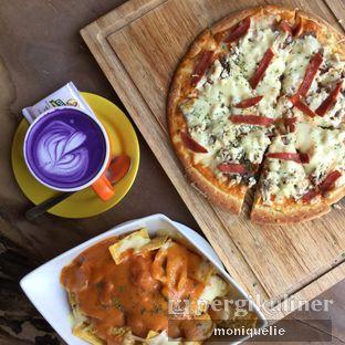 Foto 3 - Makanan(Meet Lovers Pizza) di My Story oleh Monique @mooniquelie @foodinsnap