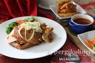 Foto 3 - Makanan di Meradelima Restaurant oleh UrsAndNic