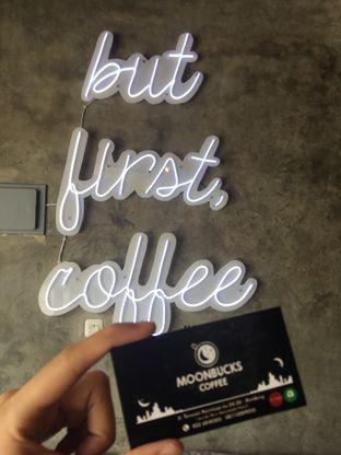 Foto 15 - Interior di Moonbucks Coffee oleh Mariane  Felicia